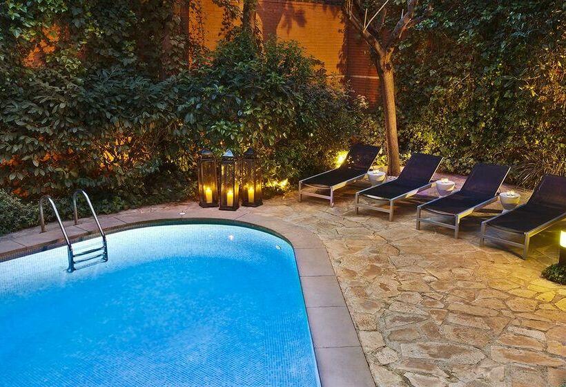 Swimming pool Hotel Balmes Barcelona