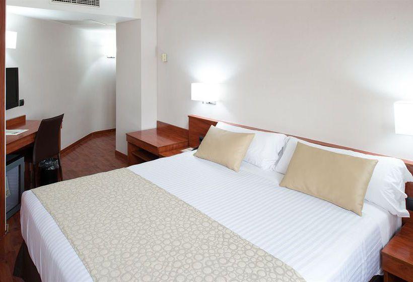 غرفة فندق Catalonia Park Putxet برشلونة