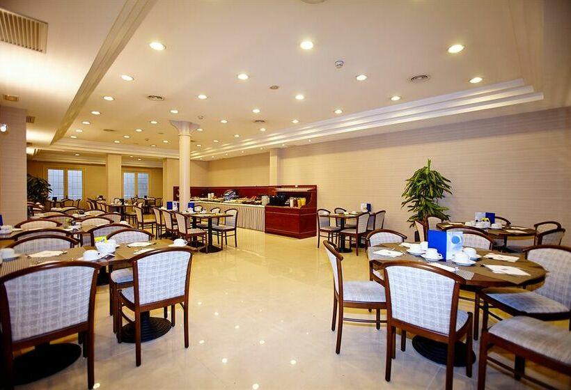 Hotel hcc taber em barcelona desde 47 destinia for Hoteis em barcelona
