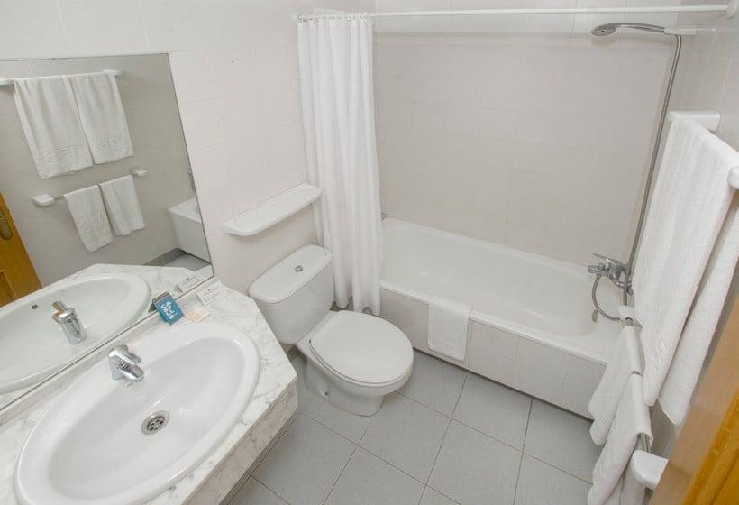 Bathroom Hotel IBB Paradis Blau Cala'n Porter