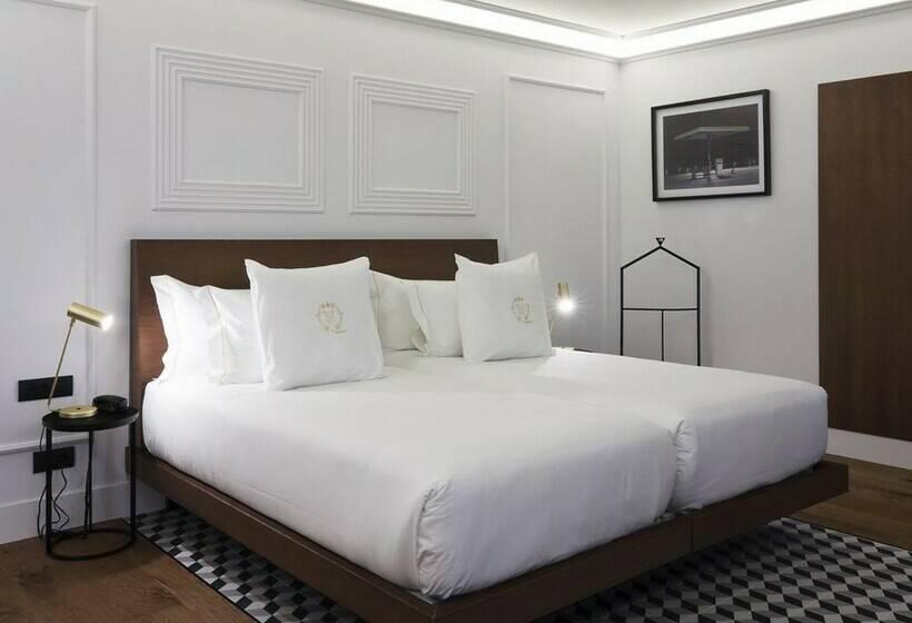 غرفة فندق One Shot Palacio Reina Victoria 04 فالنسيا