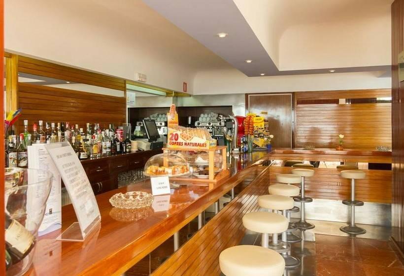 커피점 호텔 Riomar Santa Eulalia del Rio