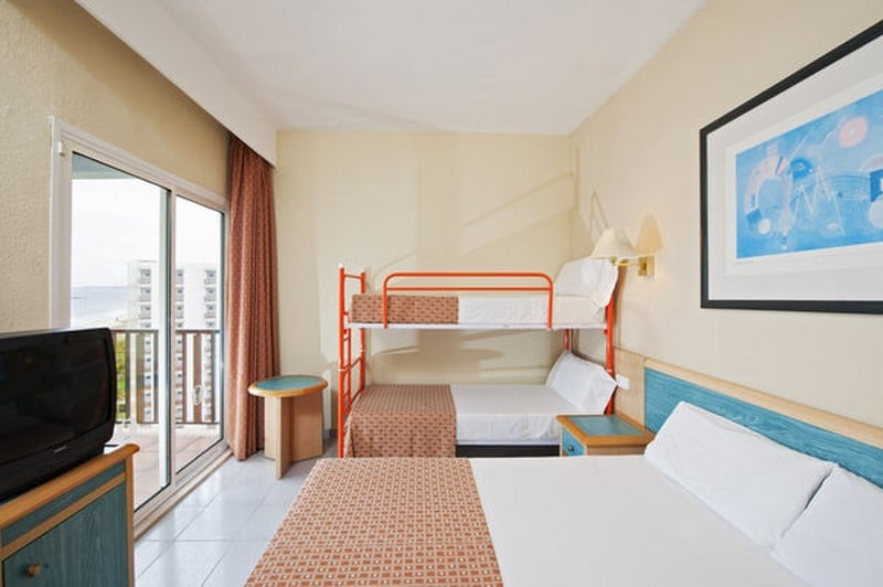 Quarto Hotel Sol Milanos Pingüinos Son Bou