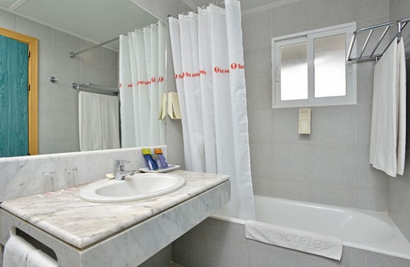 Casa de banho Hotel Sol Milanos Pingüinos Son Bou