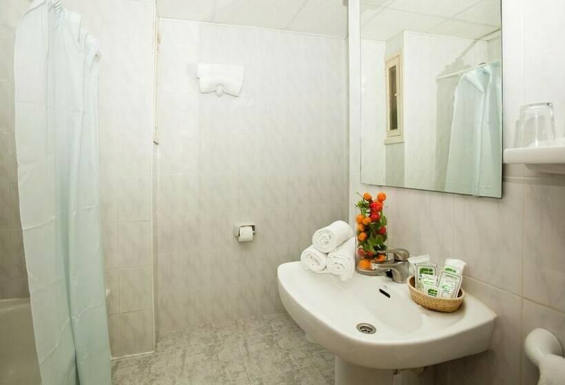 Bathroom Hotel Tropico Playa Palmanova