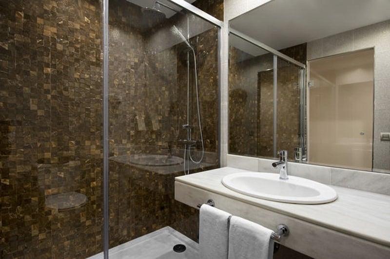 Bathroom Sol Katmandu Park & Resort Magalluf