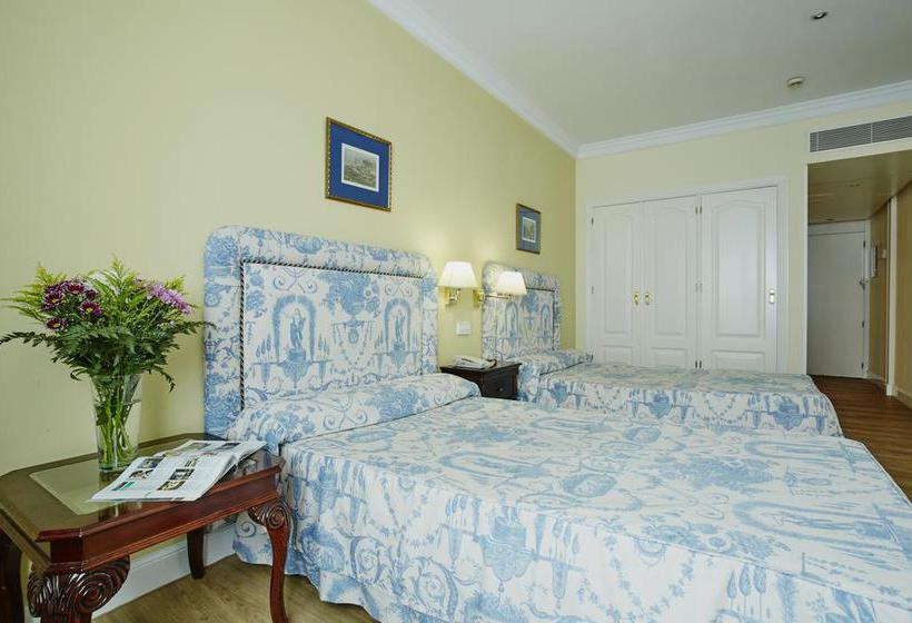 Room Hotel Osuna Madrid