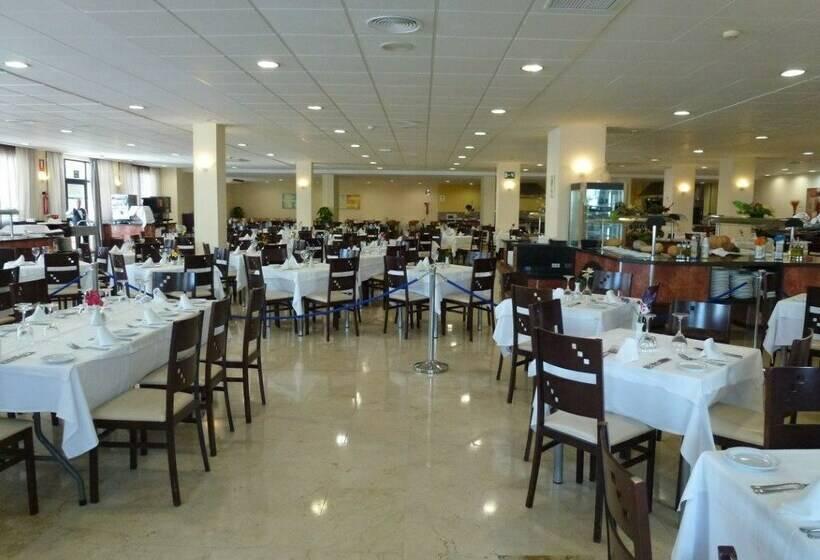 مطعم فندق Los Patos Park بينالمادينا