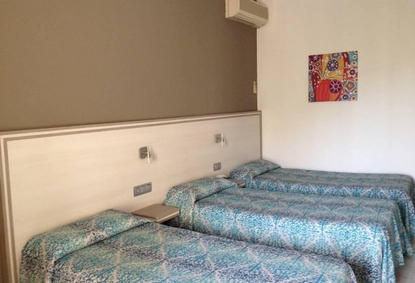 部屋 ホテル Planas サロウ