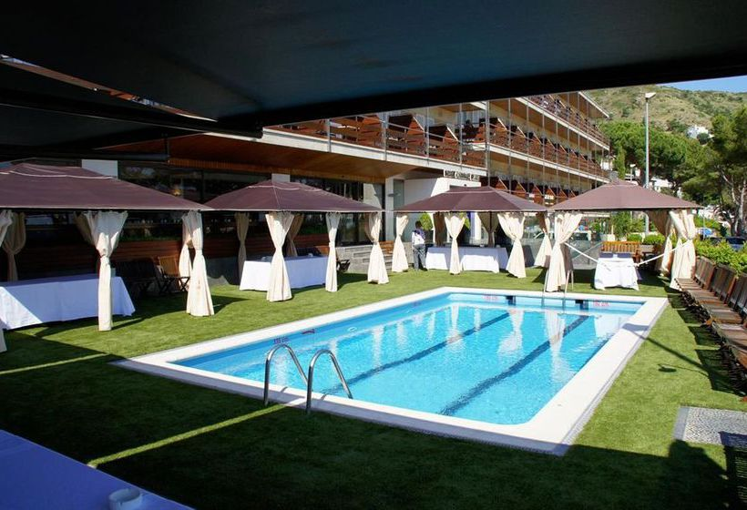 ホテル Canyelles Platja ロザス