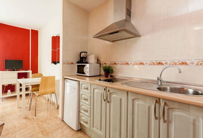 Apartamentos El Cenachero マラガ