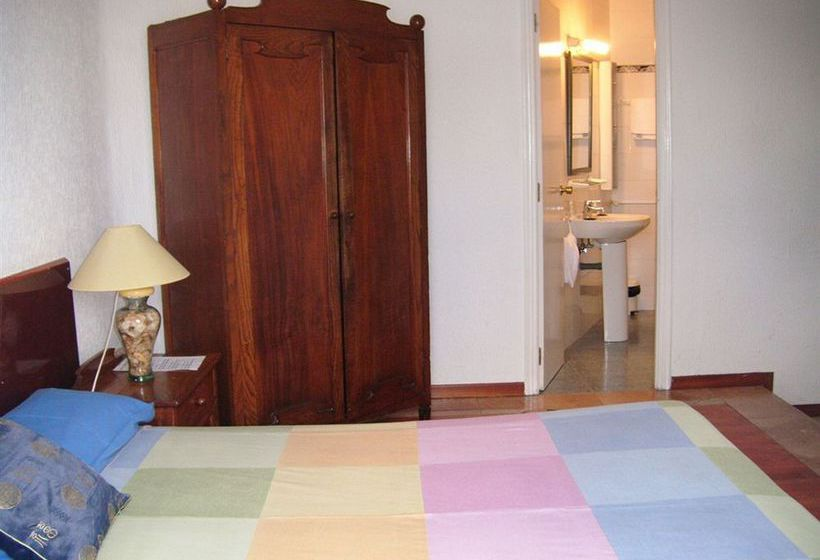 Gay Hostal Puerta del Sol Madrid 마드리드