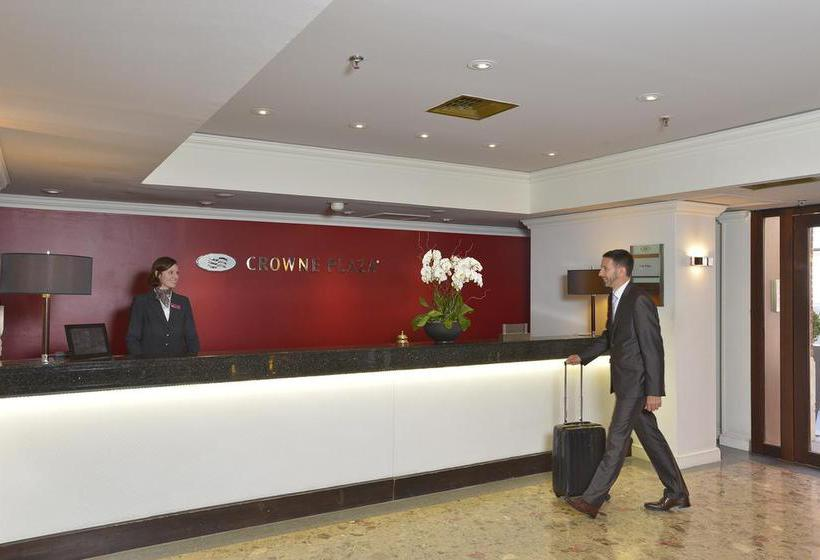 Front desk Crowne Plaza Hotel Toulouse