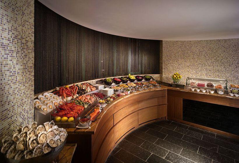 Hotel eaton hong kong in hong kong starting at 37 destinia for Late room secret hotels