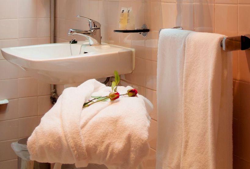 욕실 Best Western Hotel Inca 포르투