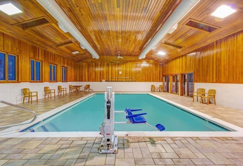 Hotel days inn methuen the best offers with destinia for Swimming pool center lawrence ma