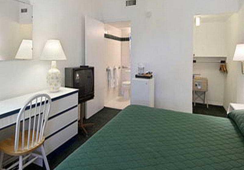 Hotel Travelodge Monaco N Miami Sunny Isles Beach