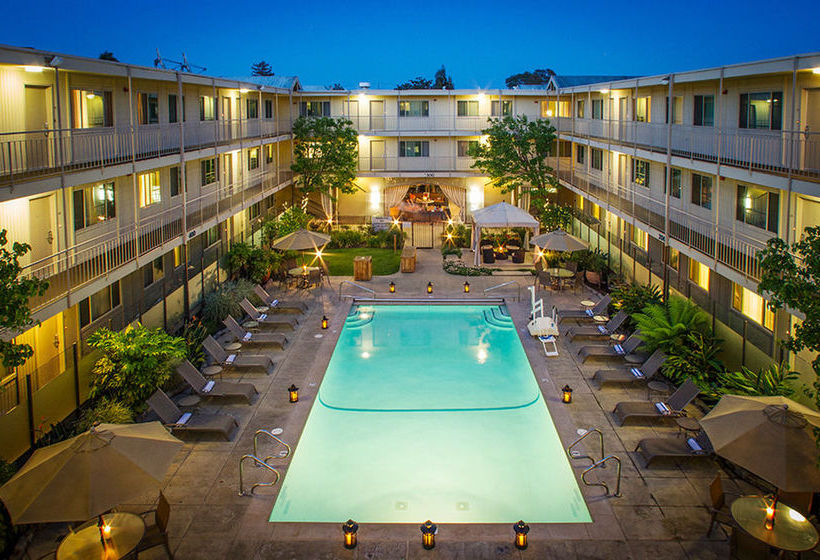 Marin suites hotel corte madera the best offers with - Maderas al corte ...
