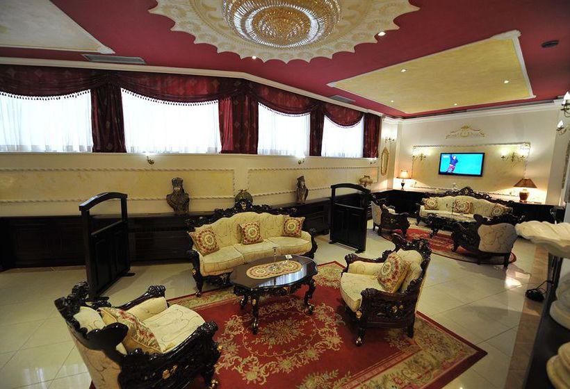 Queen 39 s astoria design hotel in belgrade starting at 27 for Design hotel queen astoria