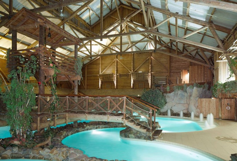 Hotel disney 39 s davy crockett ranch in disneyland paris for Club piscine boucherville telephone
