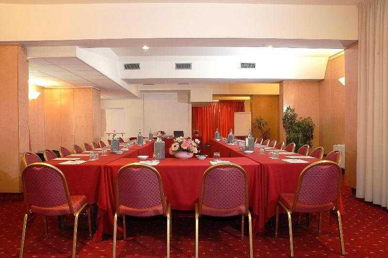 فندق Meeting Calderara Di Reno