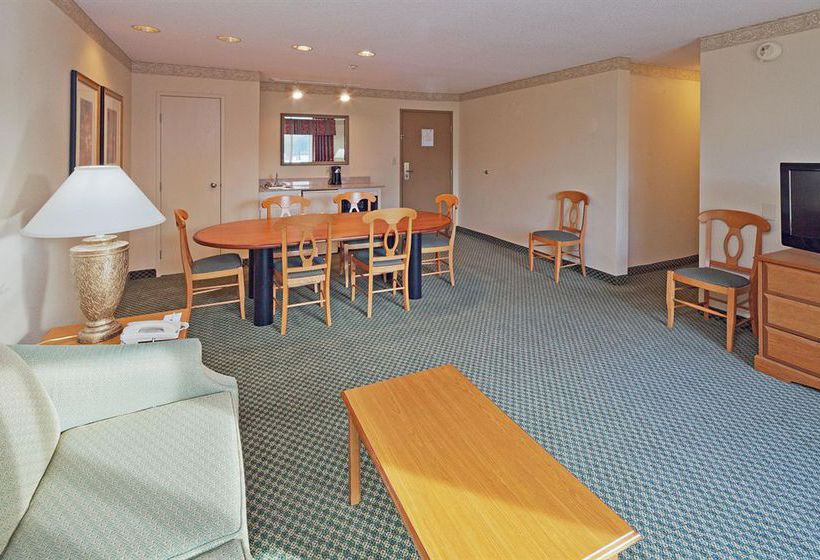 Hotel Country Inns & Suites By Carlson Montgomery East