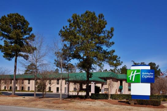 호텔 Holiday Inn Express Charleston Moncks Corner