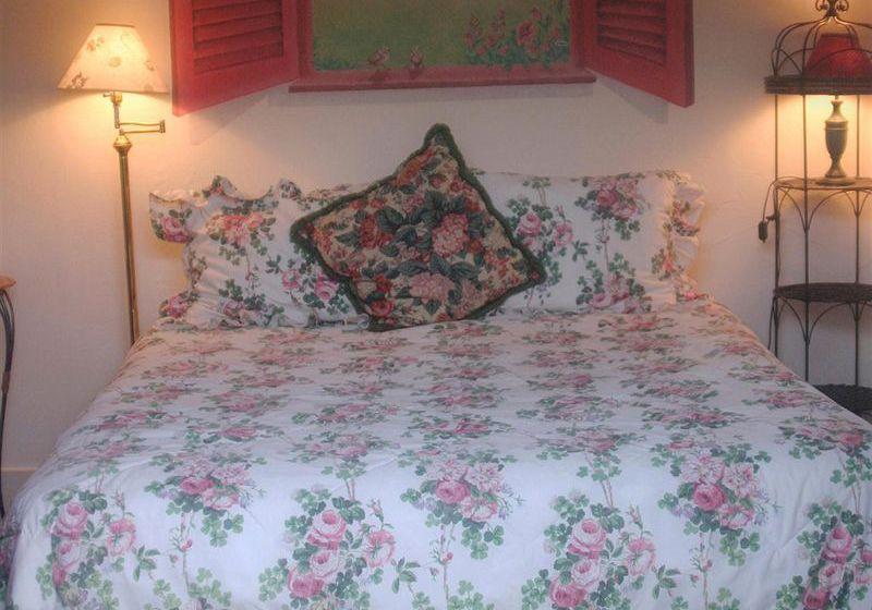 h tel secret garden inn cottages santa barbara les meilleures offres avec destinia. Black Bedroom Furniture Sets. Home Design Ideas