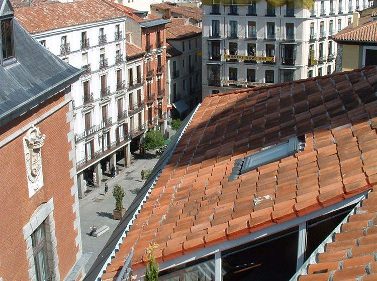Hotel plaza mayor in madrid starting at 22 destinia for Hotel mayor madrid