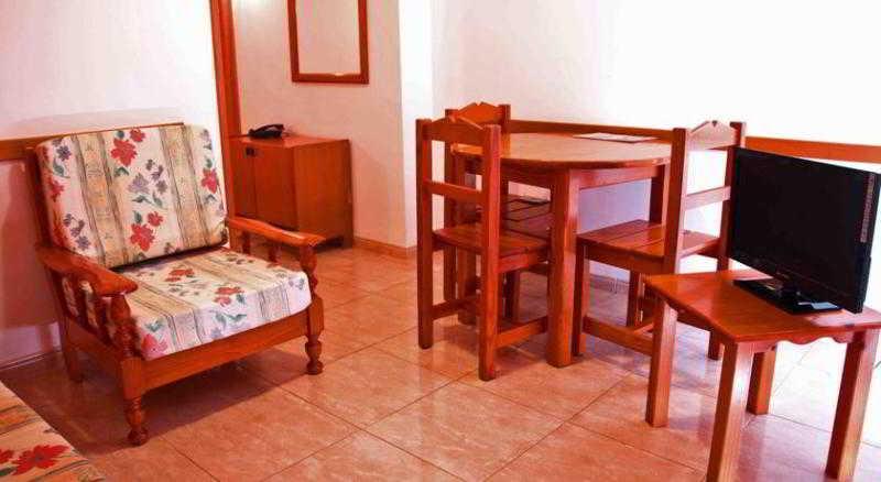 Apartamentos Las Arenas 플라 야 델 잉글