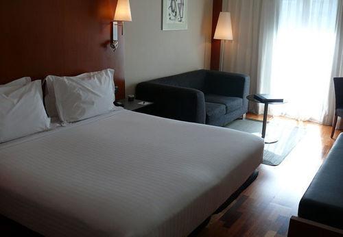 AC Hotel La Rioja لوجرونيو