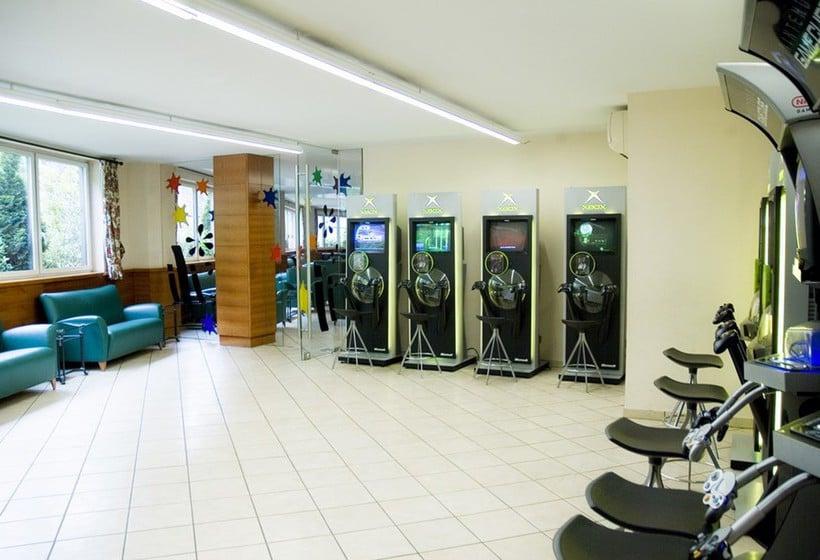 مراكز رياضية فندق Tropical ليس إيسكالديس-إنغورداني