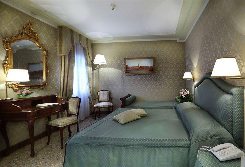 Hotel Colombina Venice