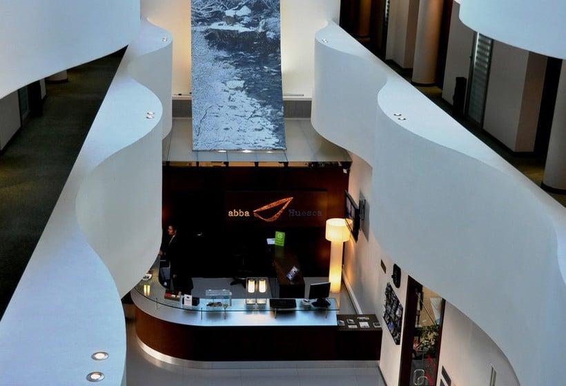 Front desk Hotel Abba Huesca