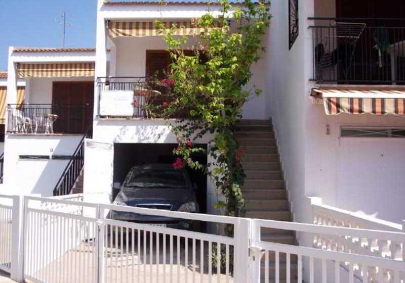 Apartamentos bungalows la siesta oropesa del mar the for Bungalows dentro del mar