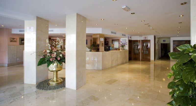 Recepción Hotel Globales Gardenia Fuengirola