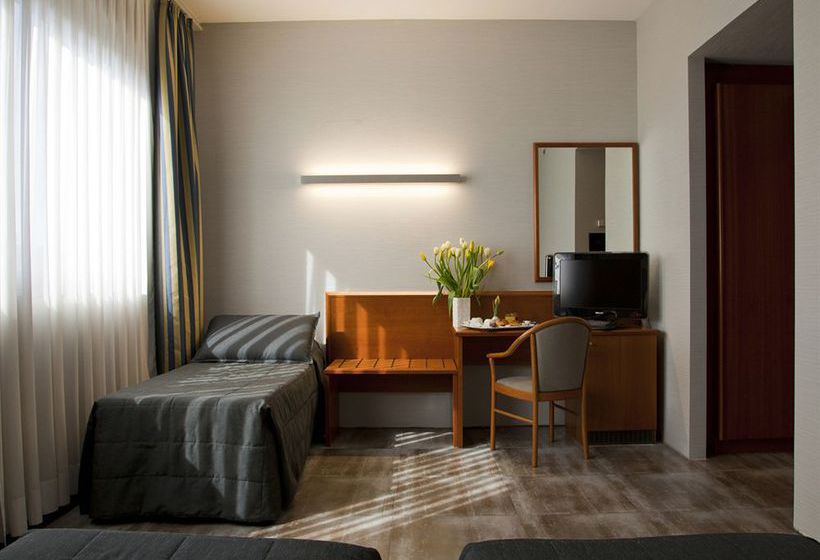 h tel zone rome partir de 27 destinia. Black Bedroom Furniture Sets. Home Design Ideas