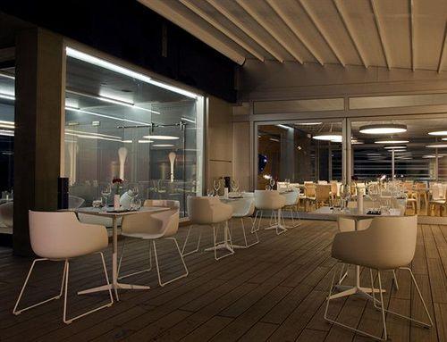 hotel zone em roma desde 22 destinia. Black Bedroom Furniture Sets. Home Design Ideas