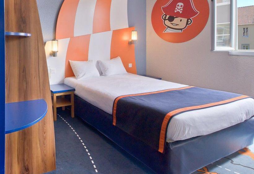 Explorers Hotel at Disneyland® Paris Magny le Hongre