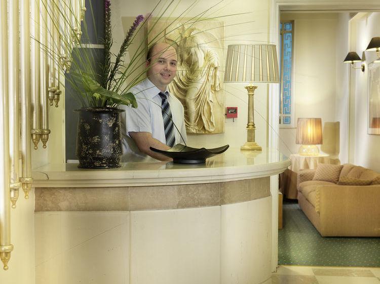 Hotel Adrian Atenas