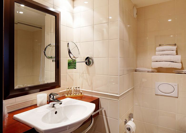 Bathroom فندق Concorde Montparnasse باريس