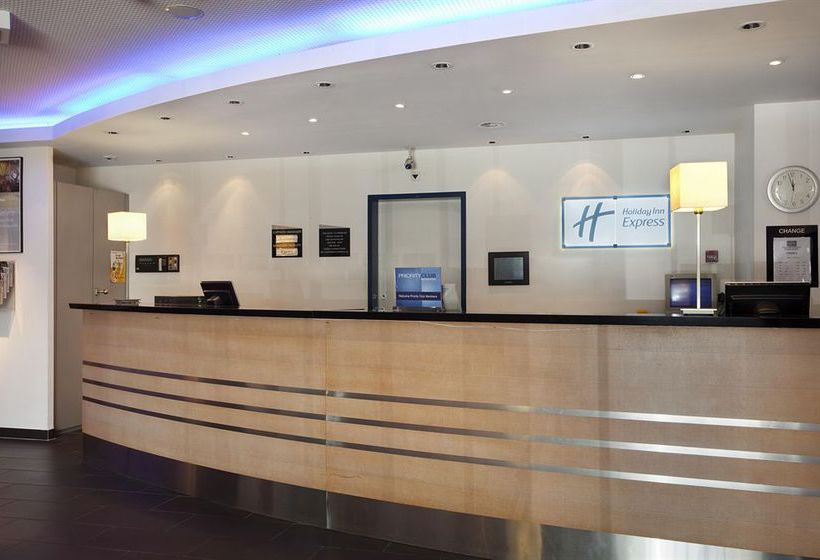 Hotel Holiday Inn Express Geneve Airport Genf