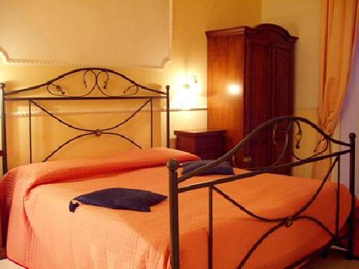 Hotel Ideal Naples