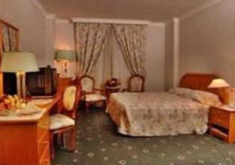 Ramada Kuwait Hotel الكويت