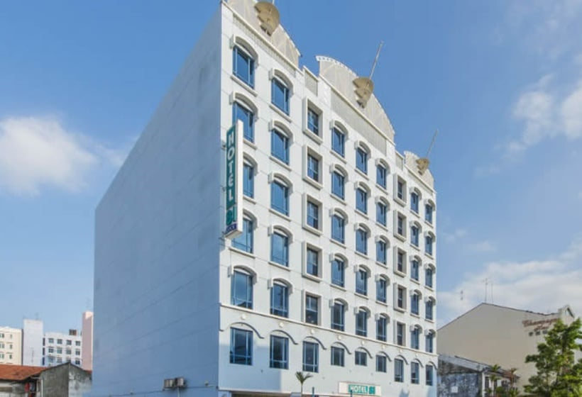 Hotel 81 palace in singapore starting at 15 destinia for Hotels 81 in singapore