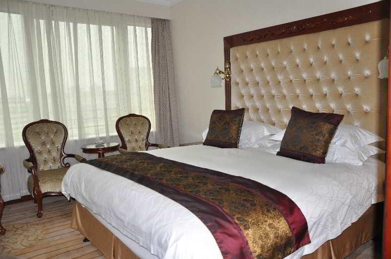 Hotel Howard Johnson Paragon Peking
