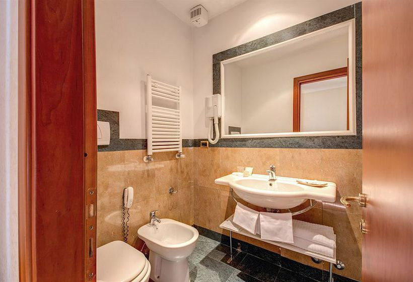 Bathroom Romoli Hotel Rome