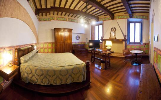 hotel fonte cesia in todi starting at 41 destinia. Black Bedroom Furniture Sets. Home Design Ideas