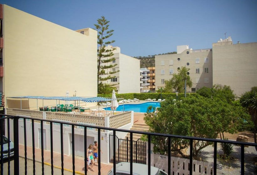 تراس NWT Hostal Sunset Ibiza سان أنطونى دى بورتمانى