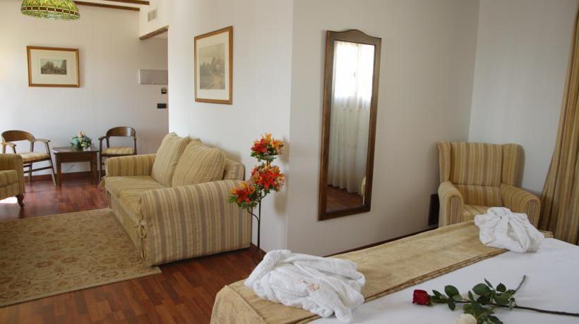 Hotel bodega real a el puerto de santa maria a partire da 21 destinia - Hotel bodega real el puerto ...